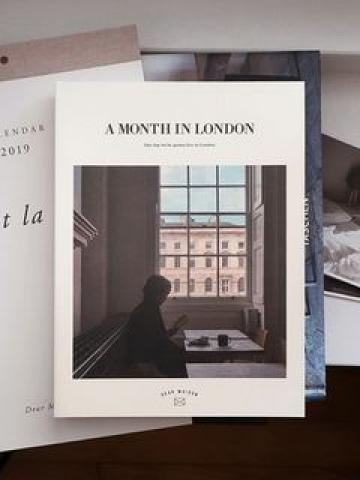 A MONTH IN LONDON Weekly Planner (S) One Size
