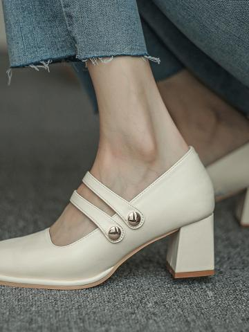 French retro square toe buckle single shoes