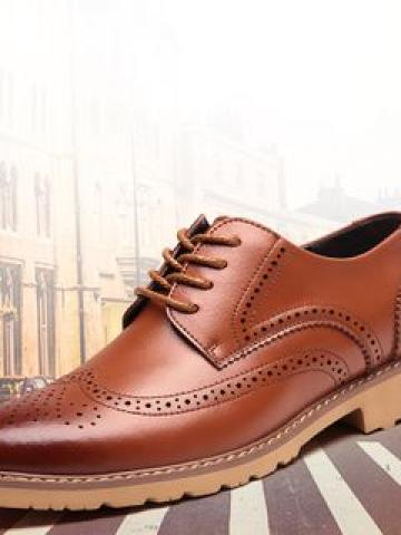 Genuine Leather Lace-Up Brogue Shoes