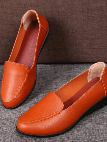 Soft sole casual flat shoes